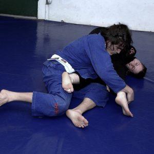 white belt rolling brazilian jiu jitsu
